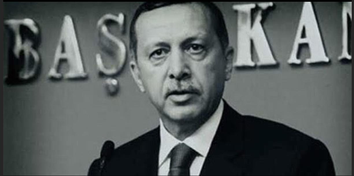 """SİYASETTE """"YENİ"""" HAMLELER VE YALANIN BİR LÜKSE DÖNÜŞMESİ..!"""