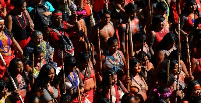 Binlerce Kadın Bolsonaro'yu Protesto Etti