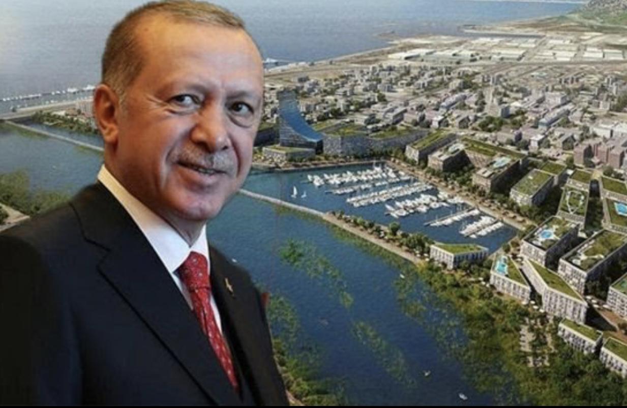 Takkeli PacMan İstanbul'u Yutarken