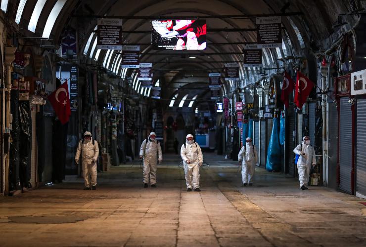 Pandemide sınıf kırımına devam: Fabrikalarda ve iş yerlerinde virüs yayılıyor